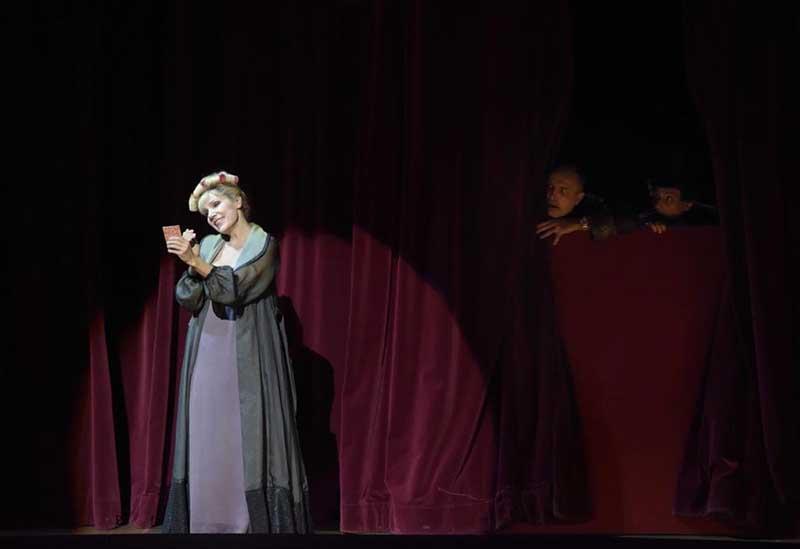 Yvonne, princesse de Bourgogne de Philippe Boesmans - 1